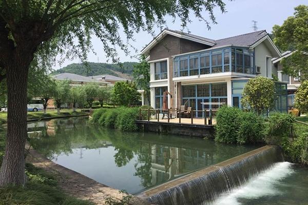 溪口银凤旅游度假村
